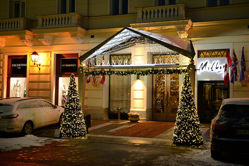 Grand hotel pupp_vanocni vyzdoba